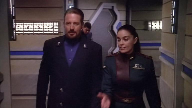 Новый командир Вавилон-5 Элизабет Локли и президент Шеридан